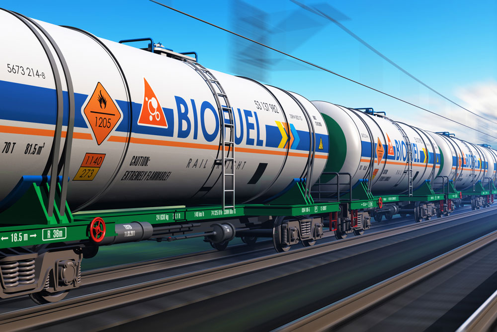 Train carrying biofuel tanks. Photo.