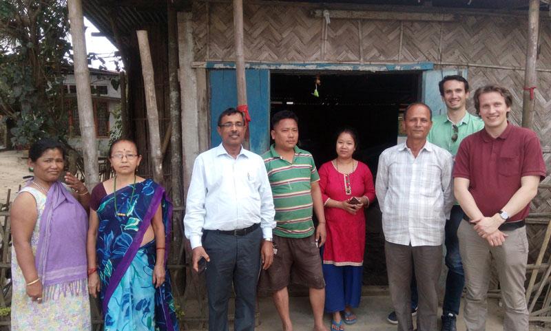 Pamoja staff and local farmers. Photo.
